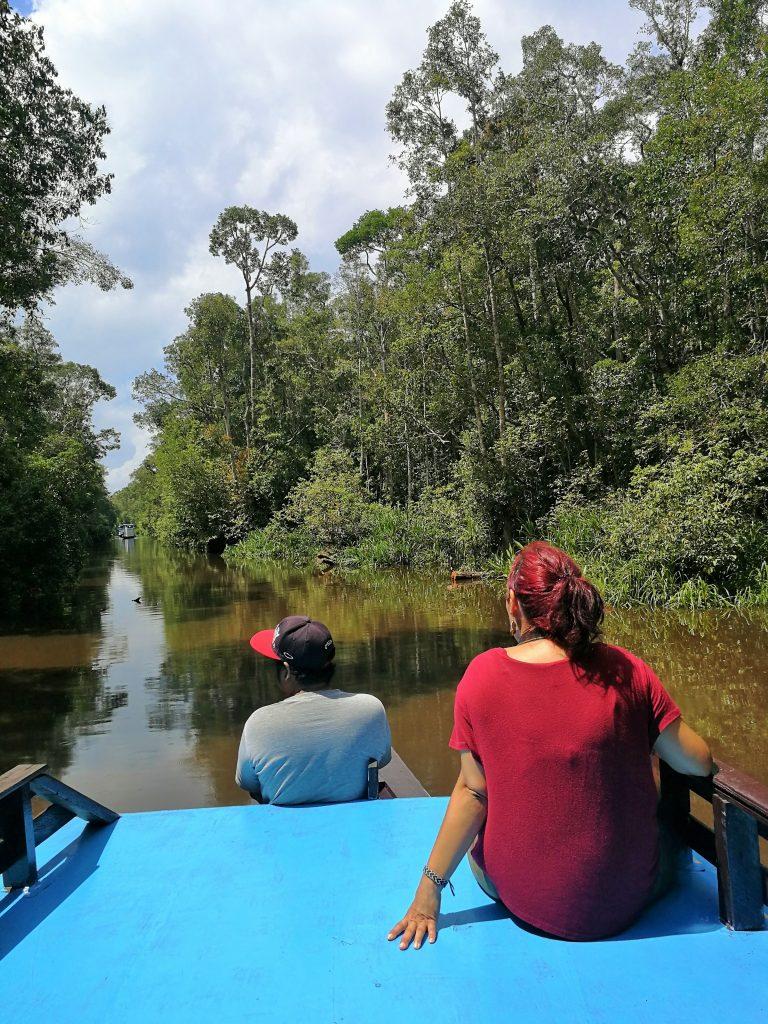 Viajar en Klotok por Borneo