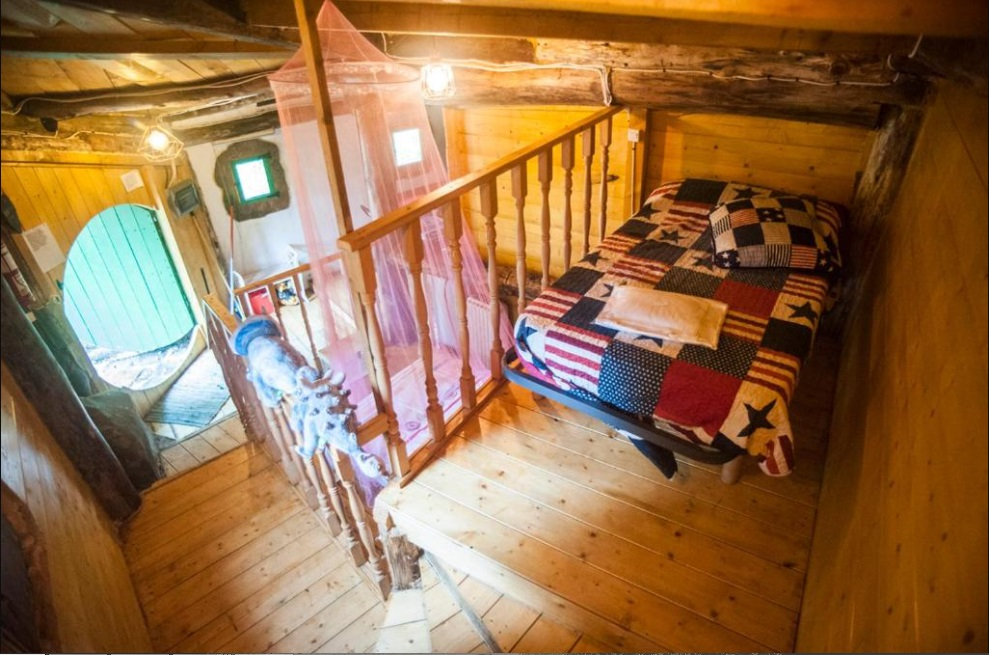 Alojarte en una cabaña hobbit - Haz La Mochila