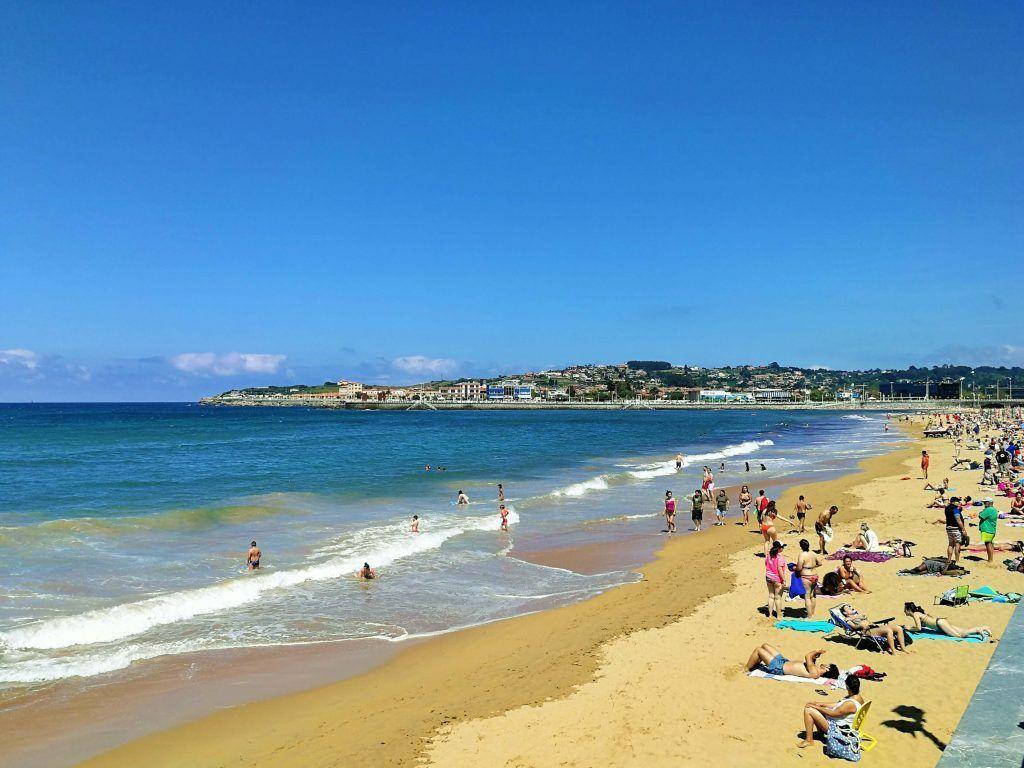 Playa de San Lorenzo - Haz La Mochila