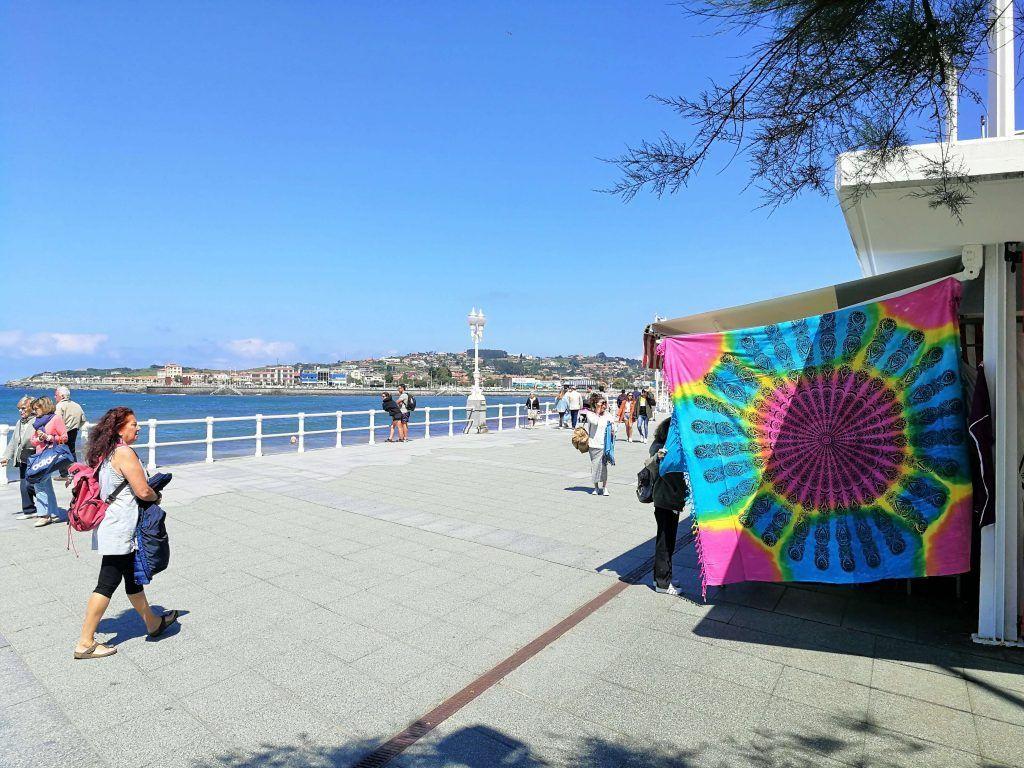 Paseo del Muro de San Lorenzo - Haz La Mochila