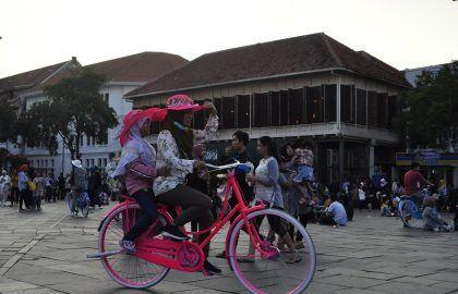 Yakarta - Haz La Mochila